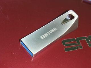 2TB Flash USB 3.0 de SAMSUNG 1900GB