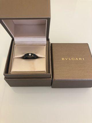 Bulgari alianza cerámica negra
