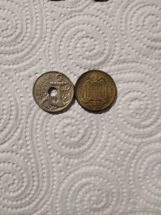 colección de monedas billetes y sellos