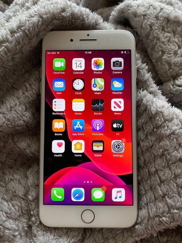 Apple IPhone 8Plus silver 64gb (Unlocked)