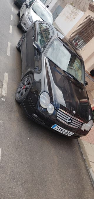 Mercedes-Benz Clase C200 163CV