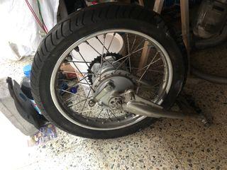 Soporte,rueda,tambor y Corona Yamaha SR 250