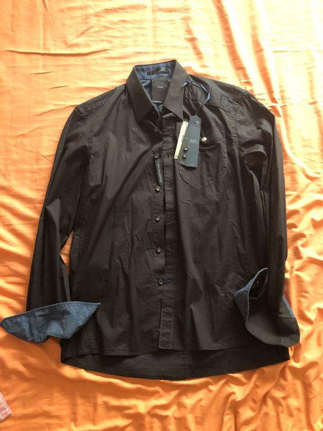 G star camisa negra con etiqueta