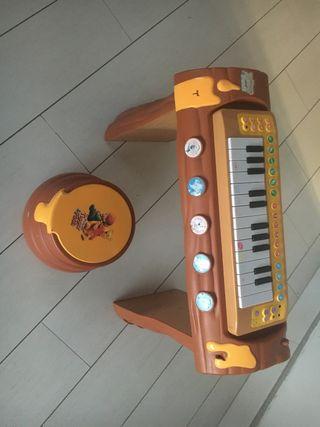Piano con mesa y taburete de Winnie the Poo