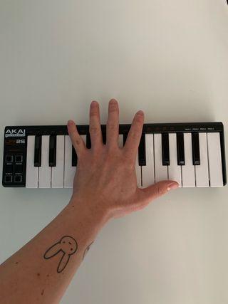 AKAI LPK 25, Teclado Portátil USB - MIDI