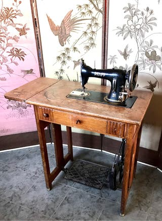 Máquina de coser, antigua