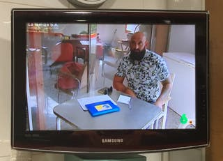 Televisor monitor Samsung de 19 pulgadas.