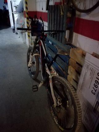 bicicleta descenso trek sesions