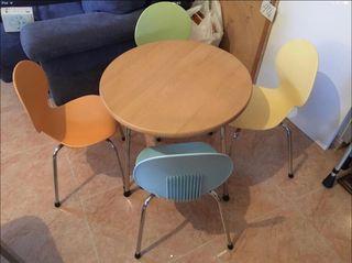 Conjunto mesa y 4 sillas niños
