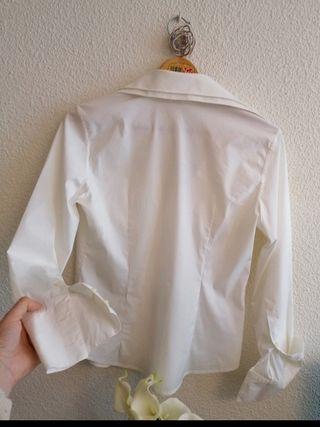 camisa blanca de Roberto Verino