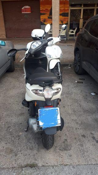 piaggio Vespa fly 125cc.
