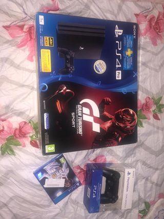 PS4 Pro SLim