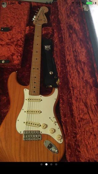 Fender stratocaster vintera 70s y accesorios