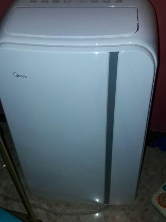 """Aire acondicionado y calefacción portátil """"MIDEA"""""""