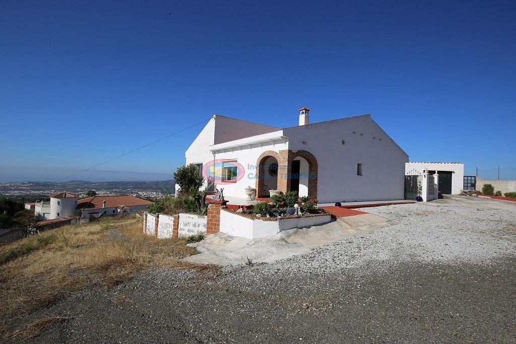 Villa en venta en El Tomillar en Vélez-Málaga (Torre del Mar, Málaga)