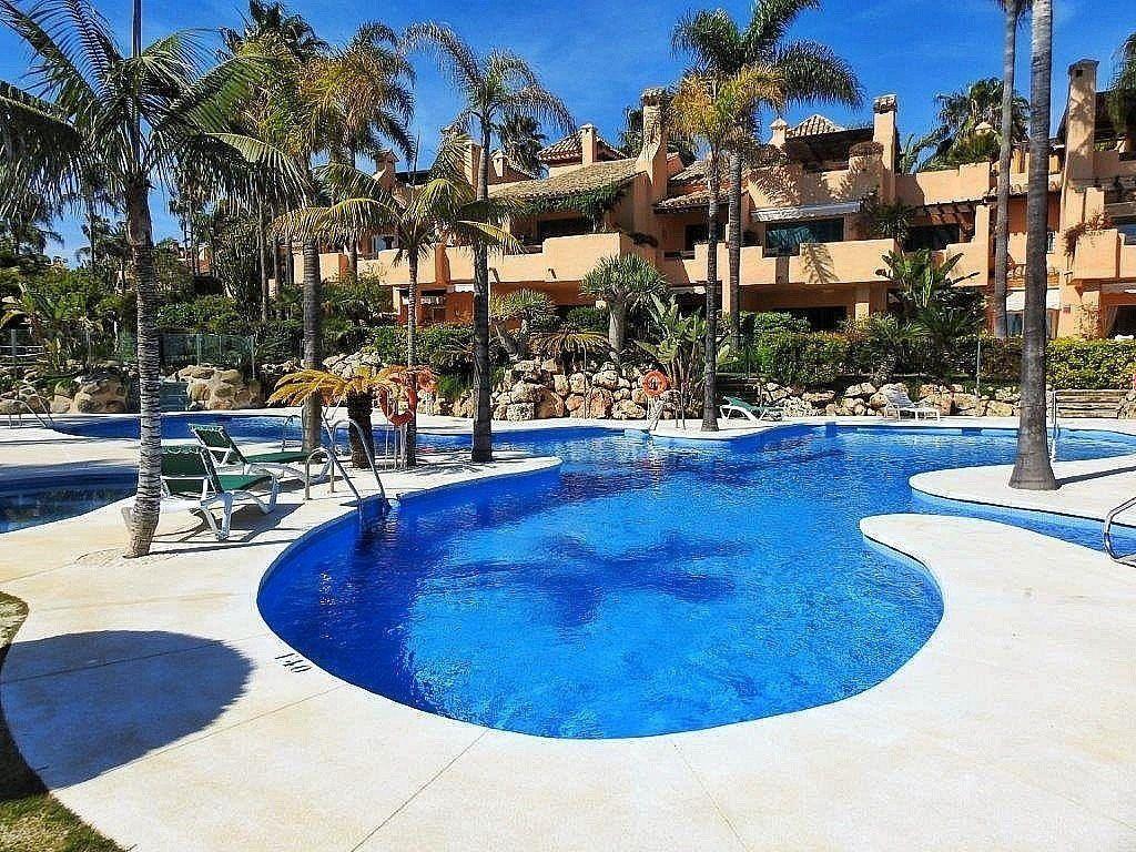 Villa en venta en Bel Air - Cancelada - Saladillo en Estepona (Bel-Air, Málaga)