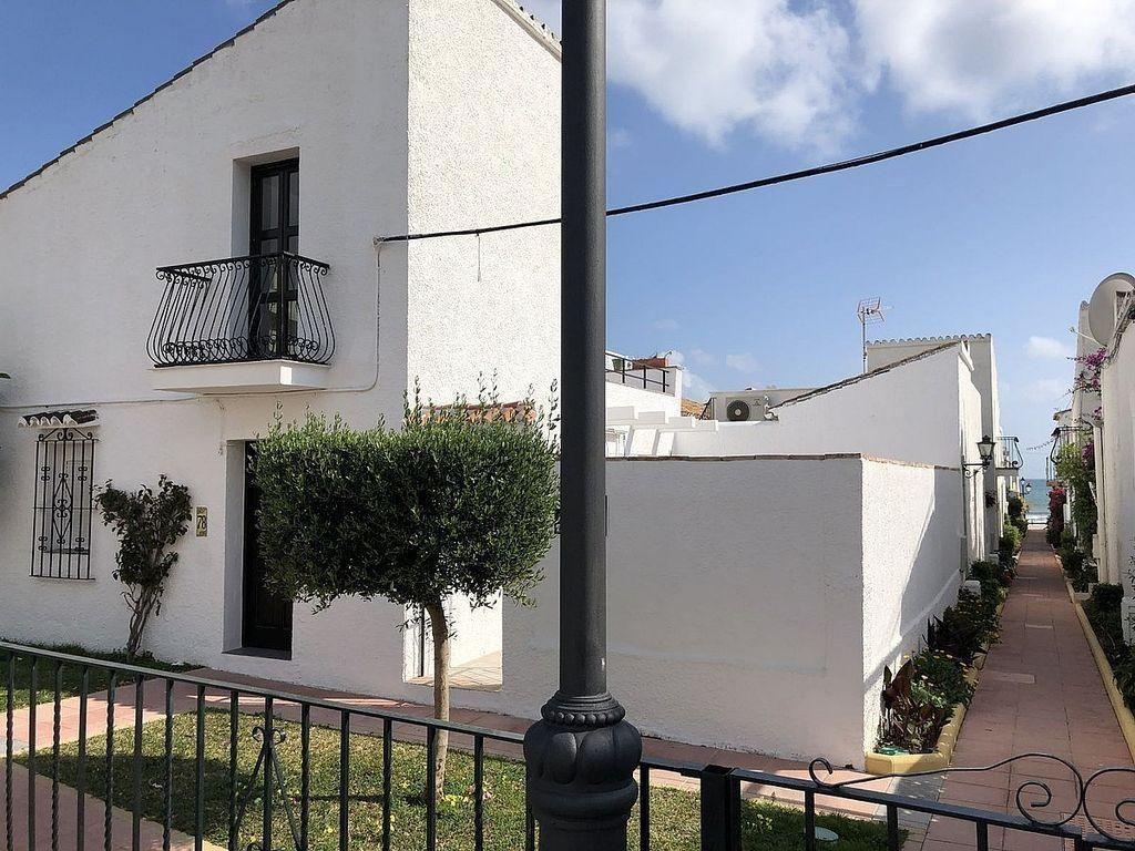 Casa adosada en venta en Bel Air - Cancelada - Saladillo en Estepona (Bel-Air, Málaga)