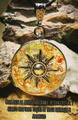 Colgante del Sol artesanal de Cuarzo