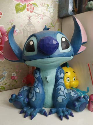 stitch Disney traditions