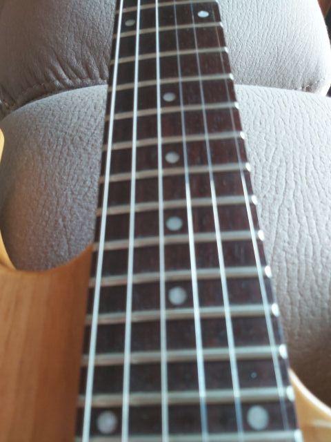 Guitarra Eléctrica Yamaha 421D