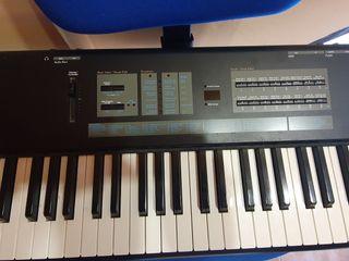 teclado kurzweil SP 88