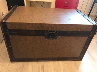 Baúl madera almacenaje