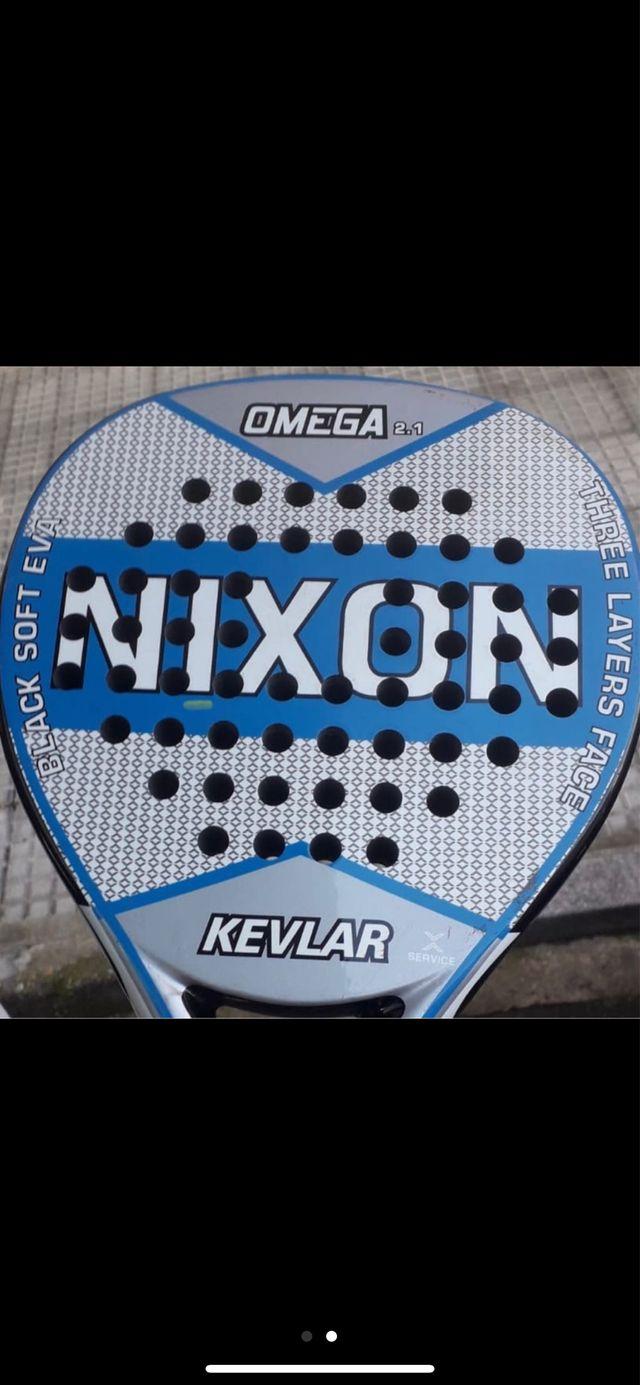 Pala de padel NIXON Omega 2.1 Buen estado