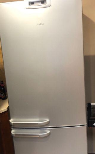 Frigorífico combi Bosch con ancho de 70 cm