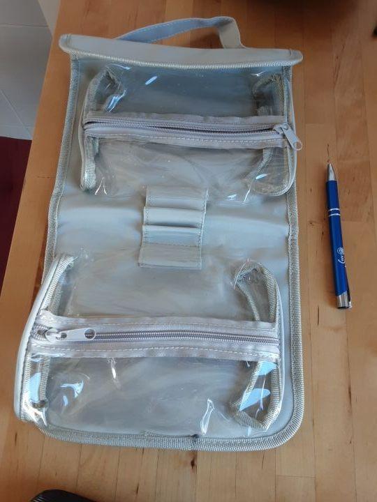 neceser tipo maletín con compartimentos