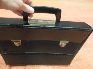 portadocumentos maletin ligero y poco usado