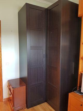 Armario esquinero IKEA. 237cmx111cmx111cm