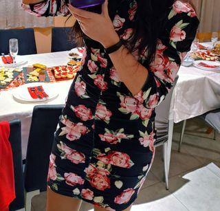 Vestido drapeado rosas