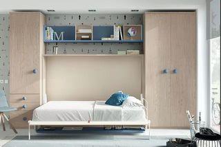 Dormitorio de matrimonio con cama abatible
