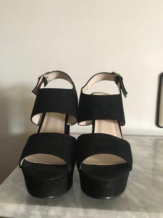 Sandalias tacón negras