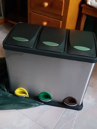 Cubo de reciclar basura