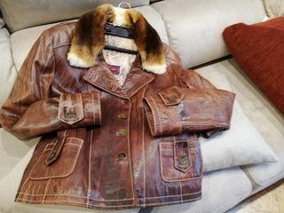 impecable chaqueta. de cuero, de mujer