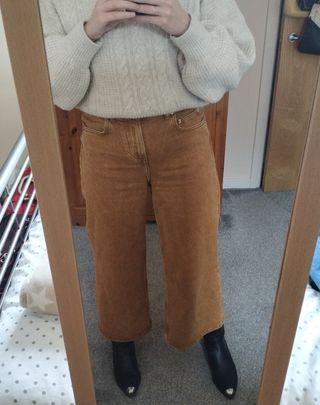 Wide leg and high waist women jeans