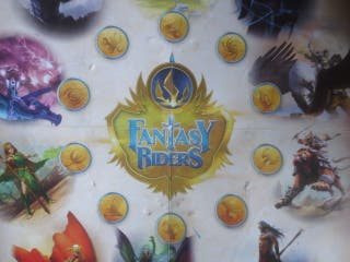 Tablero Fantasy Riders cartas de juego Panini