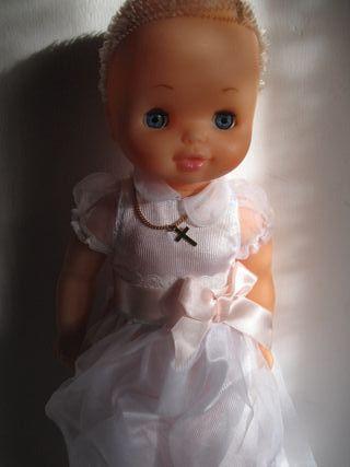 muñeca nancy de famosa con el pelo corto vestido