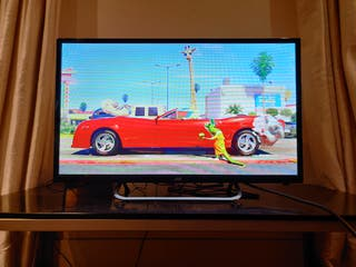 JVC 32' TV in perfect condition