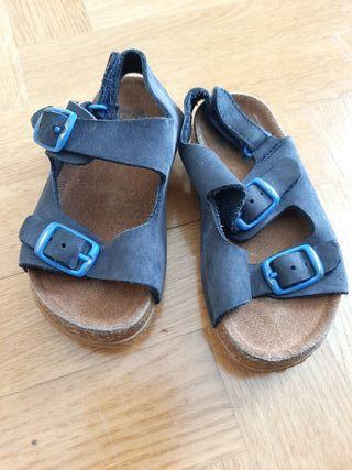 Sandalia bebé azul Zara talla 21