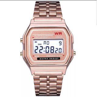 reloj color oro rosa estilo casio