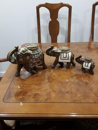 Juego elefantes decorativos