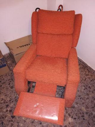 sillón Con reposapies extraible seminuevo poco uso
