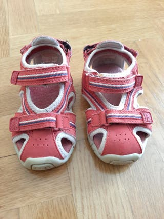Sandalia bebé roja Zara talla 21