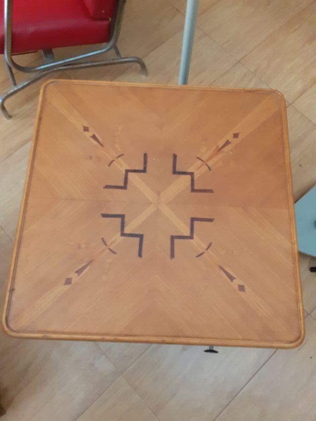 mesa auxiliar marquetería
