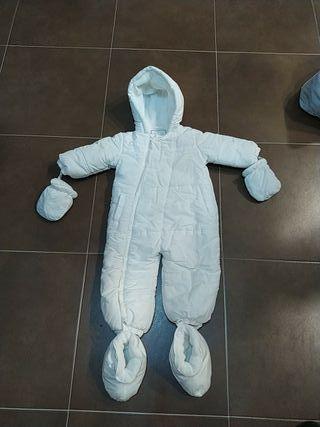 mono bebe nieve
