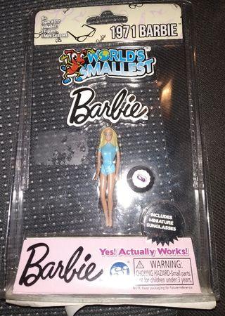 World smallest.Muñeca Barbie más pequeña del mundo