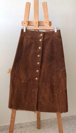 Falda de piel marrón de Zara