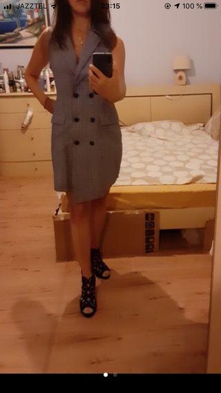 Vestido cruzado gris